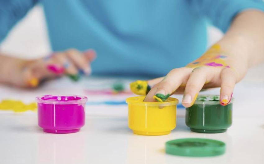 Tempere fatte in casa (la ricetta dei colori a dita atossici)